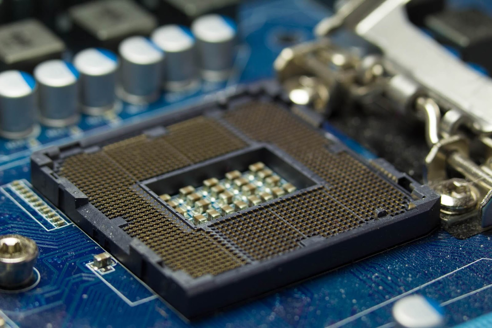 Intel Unveils New Roadmap Shows 14nm Chips In 2019, 10nm Ice Lake In 2020