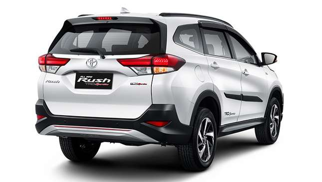 Toyota Rush Is Now Officially  Available In Pakistan  | Specs | Price | Details Etc