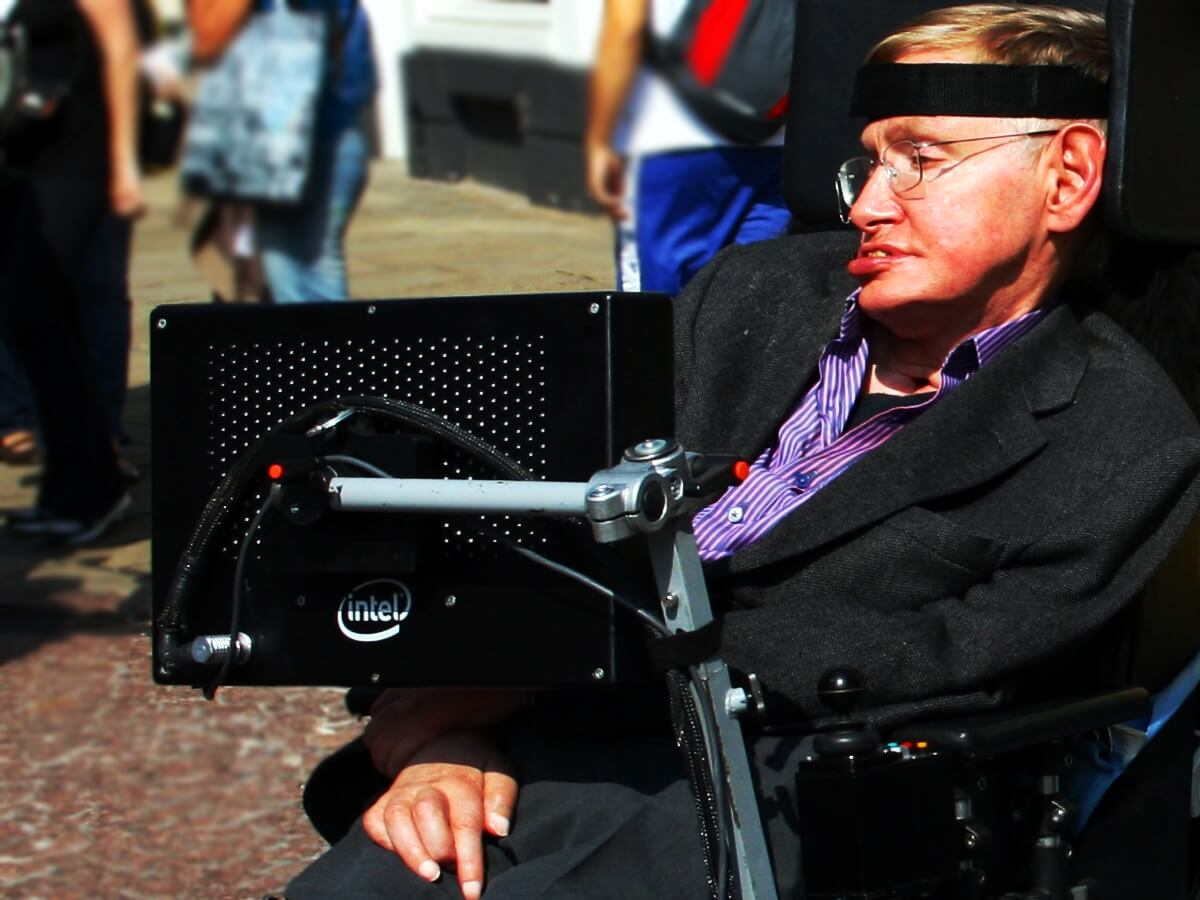 Stephen Hawking's Final Fear Essays Reveal Stephen Hawking Predicted Race For 'Superhumans'