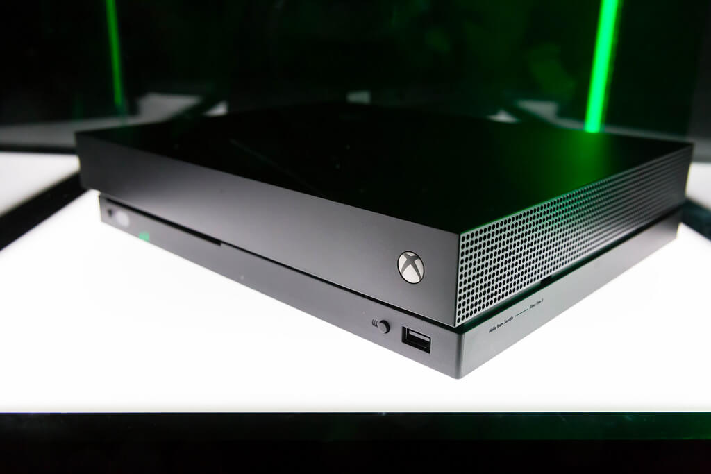 Rumor : Microsoft Could Release Xbox One With No Disc Slot For 2019