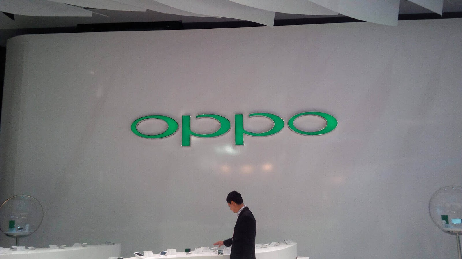 Oppo Tests World's First Successful Multiparty Video Call On A 5G Network